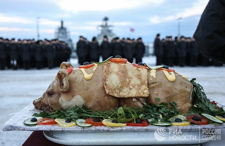 """Отряд кораблей Северного флота во главе с крейсером """"Маршал Устинов"""" прибыл в Североморск"""