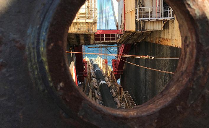 Трубоукладочное судно компании Allseas