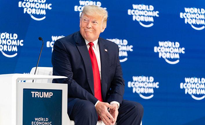 Президент США Дональд Трамп выступает на форуме в Давосе