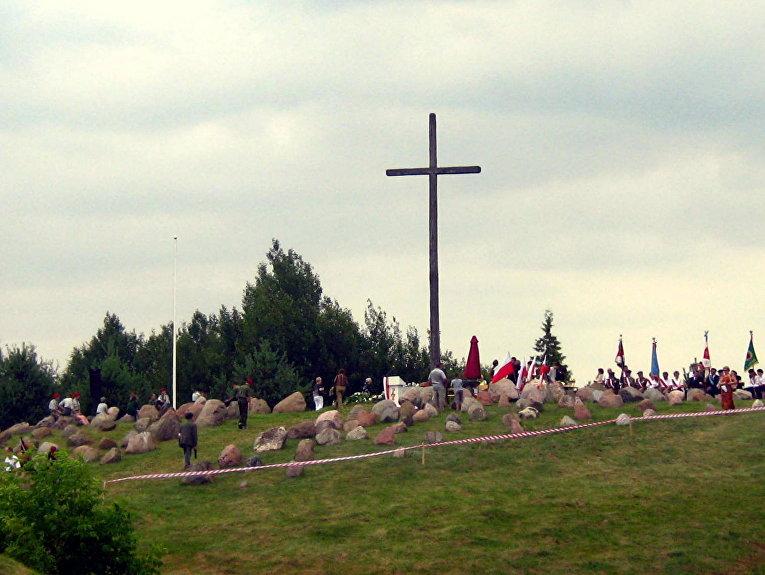 Монумент жертвам облавы в населённом пункте Гибы