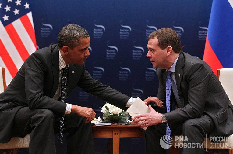 Президент России Дмитрий Медведев и президент США Барак Обама, 2012 год