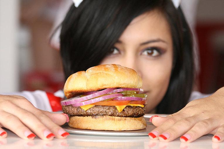 Еда как заменитель счастья: вся правда о пищевой зависимости