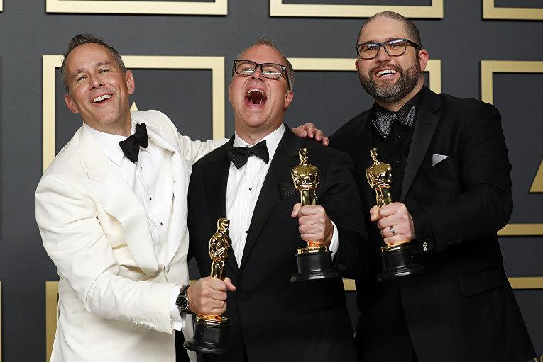 """Джонас Ривера, Марк Нильсен и Джош Кули на церемонии вручения премии """"Оскар"""" в Лос-Анджелесе"""