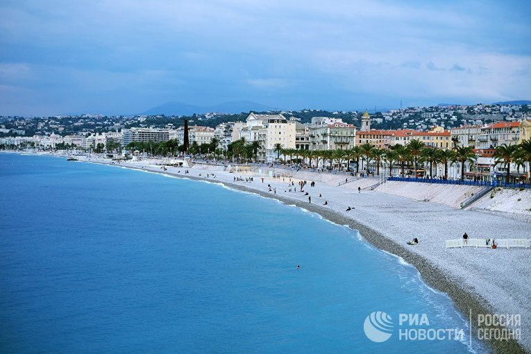 Вид на побережье Средиземного моря в Ницце