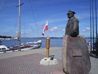 Монумент в память об Обручении Польши с морем. Памятник Юзефу Халлеру