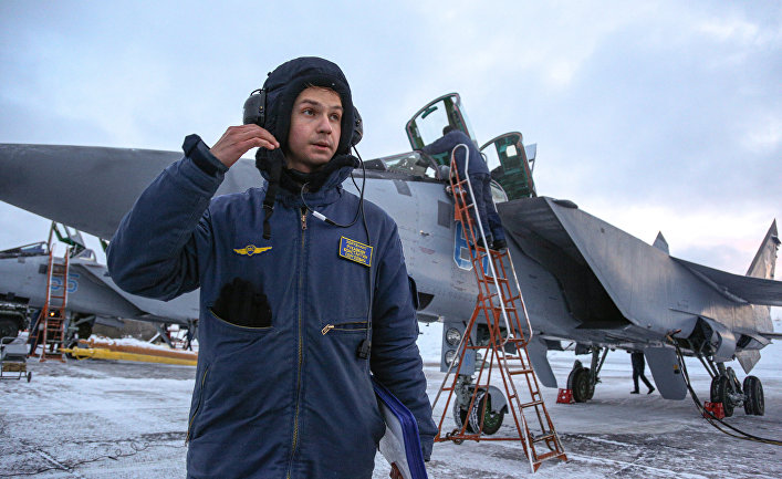 Учебно-тренировочные полеты Су-24 и МиГ-31 в Мурманской области