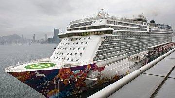 Круизный лайнер World Dream отправлен на карантин в Гонконге