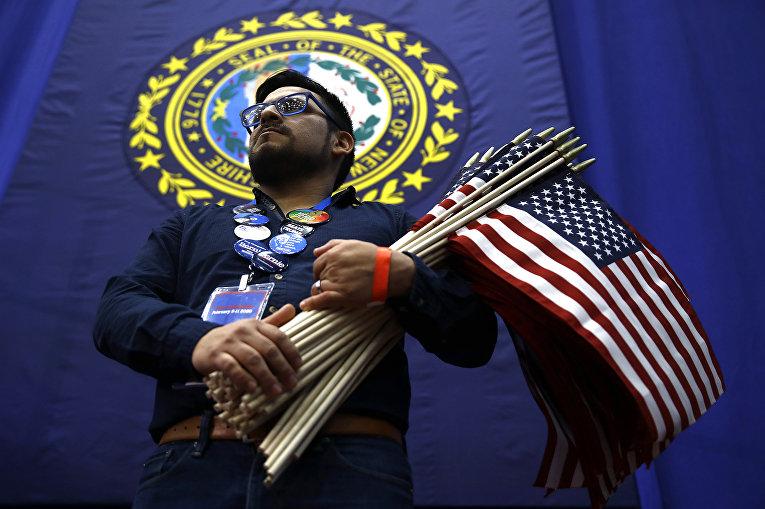 Участник предвыборного митинга в Нью-Йорке