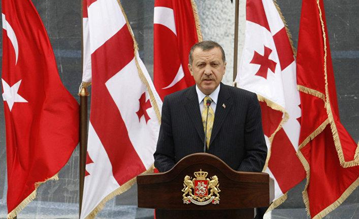 Реджеп Тайип Эрдоган выступает на пресс-конференции в Тбилиси, 2008 год