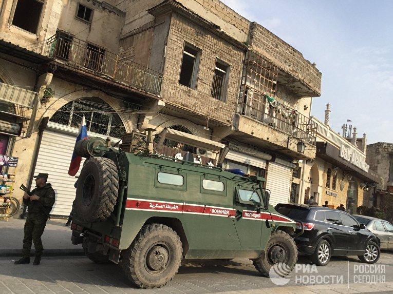 """Бронеавтомобиль """"Тигр"""" патрульной службы военной полиции РФ в Алеппо"""
