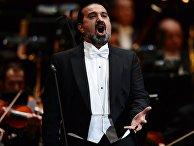 Азербайджанский оперный певец Эльчин Азизов выступает на гала-концерте звезд мировой оперы