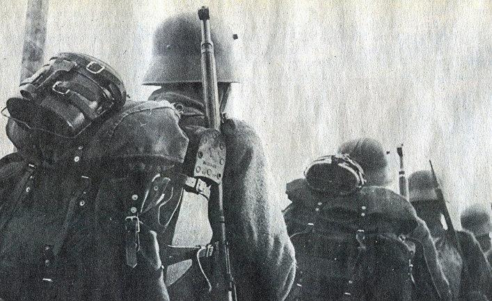 Финские солдаты маршируют во время Зимней войны