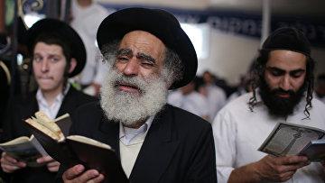 Подготовка к празднованию еврейского Нового года Рош ха-Шана