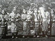 Представители народности Айны, 1904 год
