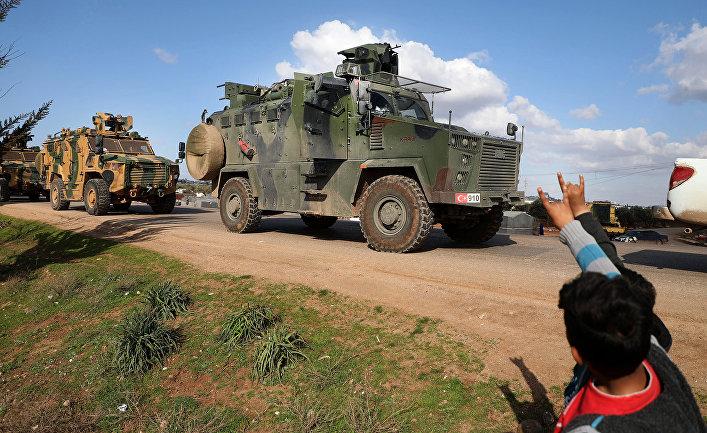Турецкий военный конвой около города Батабу в Сирии