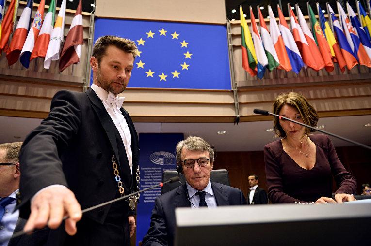 Председатель Европейского парламента Давид Сассоли открывает пленарное заседание, Брюссель, Бельгия