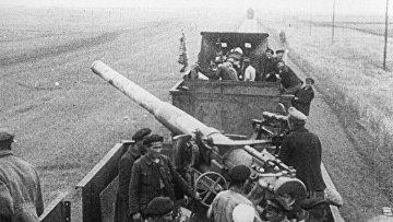 Красный бронепоезд готовится к бою. 1919 год.