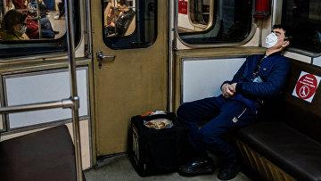 Курьер в московском метро