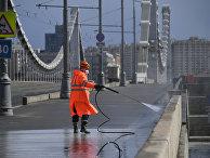 Дезинфекция дорог и тротуаров в Москве