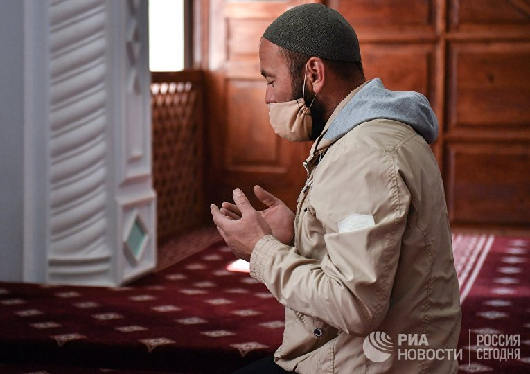 Начало священного для мусульман месяца Рамадан