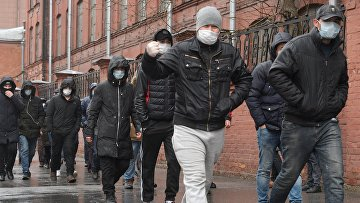 Очереди мигрантов в УФМС