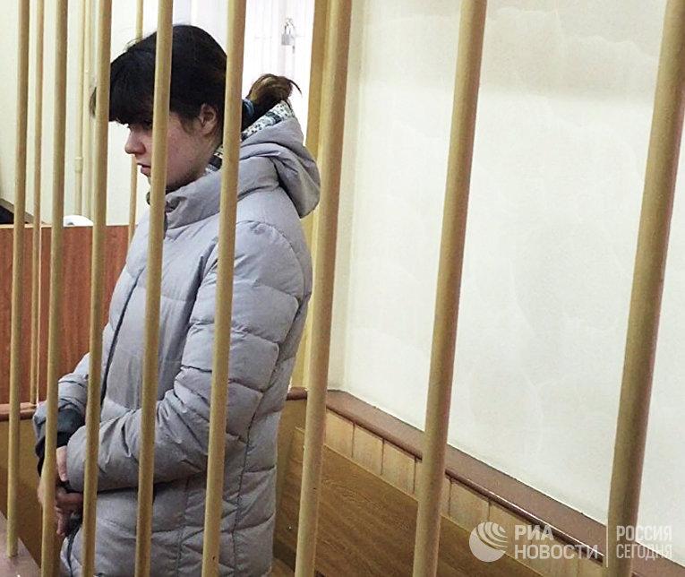 Студентка МГУ Варвара Караулова в зале заседаний Лефортовского суда Москвы