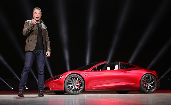 Компания Tesla представила новые модели электромобилей