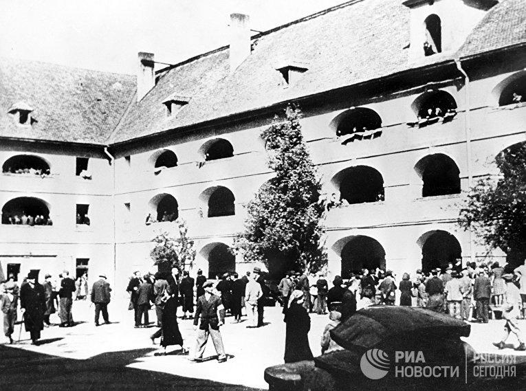 """Во время Второй мировой войны в Терезиенштадте было основано """"образцовое гетто"""""""