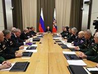 Президент РФ В. Путин провел совещание с руководством Минобороны и предприятий ОПК