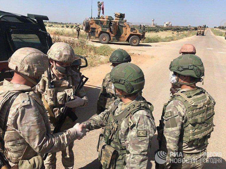 Россия и Турция провели совместное патрулирование в сирийской провинции Алеппо-Латакия