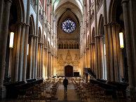 Собор Сен-Жан в Лионе, Франция