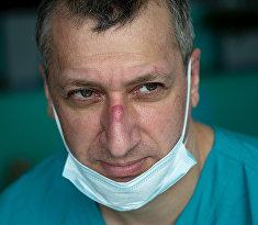 Фотолента про врача Османа Османова