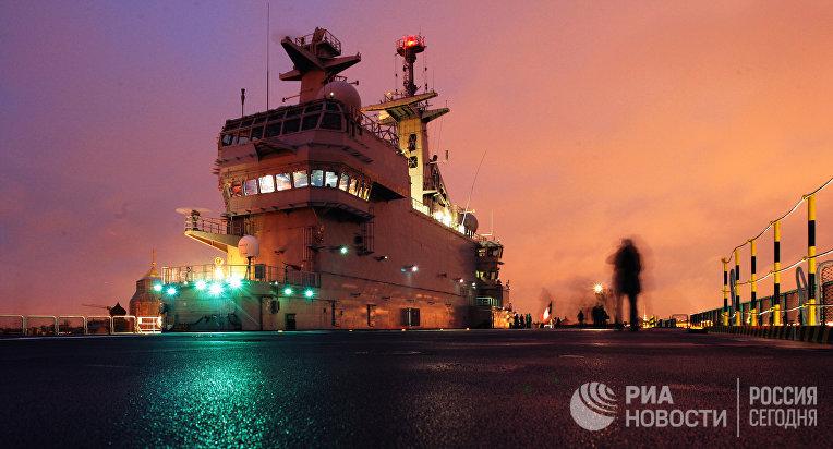 """Французский военный корабль-вертолетоносец класса """"Мистраль"""""""