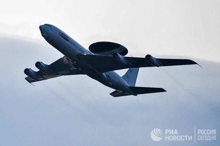 Самолёт Boeing E-3A Sentry