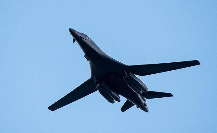 Американский сверхзвуковой стратегический бомбардировщик Rockwell B-1 Lancer
