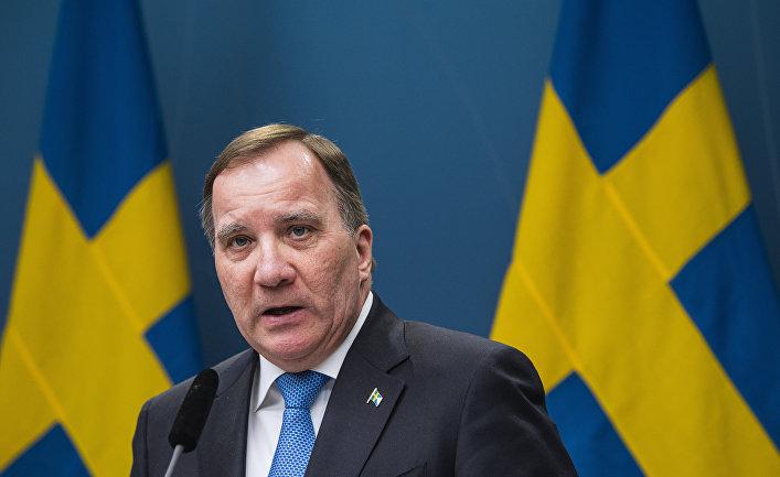 Премьер-министр Швеции Стефан Лёвен на пресс-конференции по ситуации с covid-19