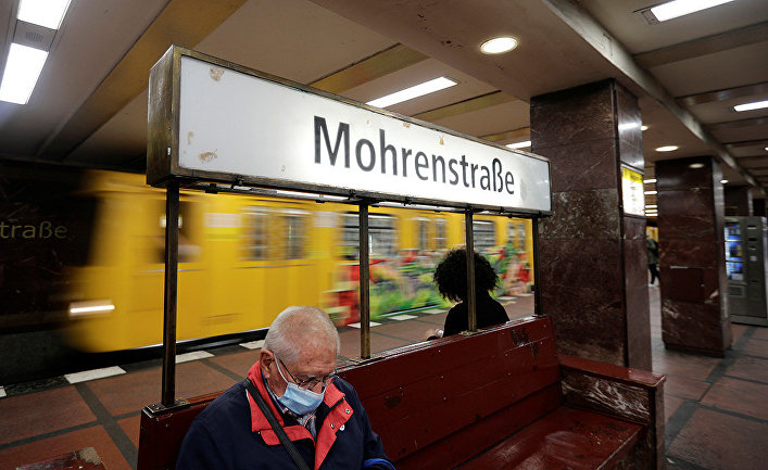 Станция метро Mohrenstrasse в Берлине