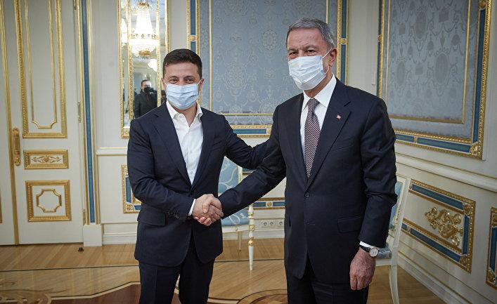 Президент Украины Владимир Зеленский провел встречу с министром национальной обороны Турецкой Республики Хулуси Акаром