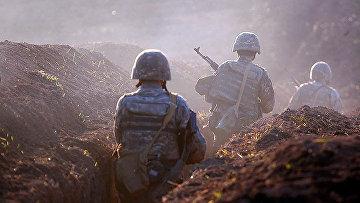 Армянские солдаты на линии фронта в Тавушской области Армении