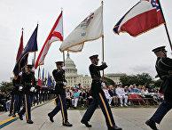 Военнослужащие во время торжественной церемонии в Вашингтоне