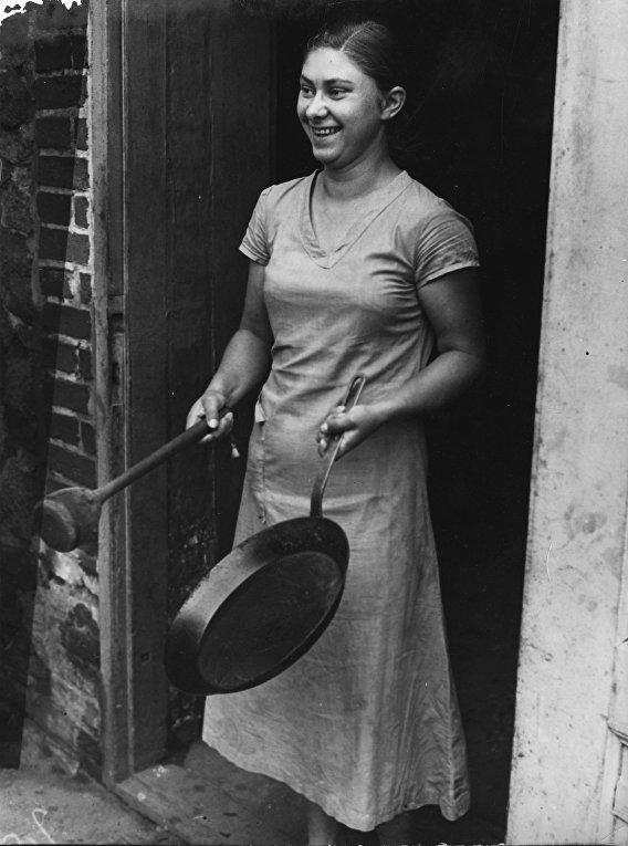 Молодая девушка, Германия. Ок. 1934 - 1945.