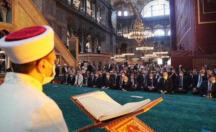 Пятничная молитва в Соборе Святой Софии в Стамбуле