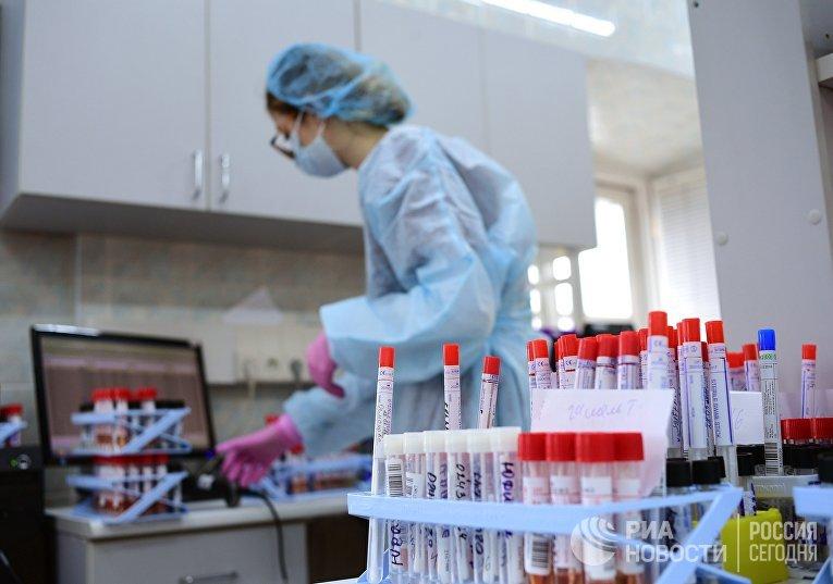 Тестирование на COVID-19 в лаборатории НИИ Склифосовского