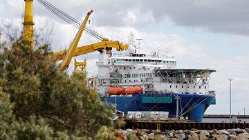 Трубоукладчик «Академик Черский» в порту Мукран, Германия