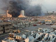 Дым на месте взрыва в Бейруте