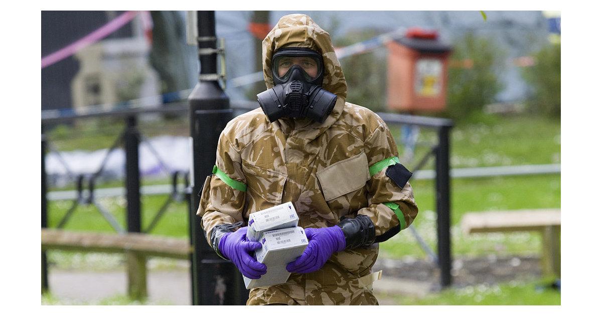 News Thump (Великобритания): российскую вакцину от коронавируса испытают на дверных ручках в Солсбери