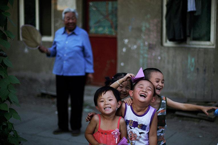Дети на улице Пекина