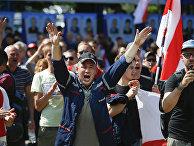 Участники митинга на Минском моторном заводе в Минске