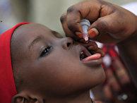 Вакцинация детей против полиомиелита в Нигерии