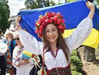 Участники марша вышиванок в Киеве